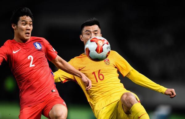 6名U23首发登场,国足东亚杯首战2比2战平韩国