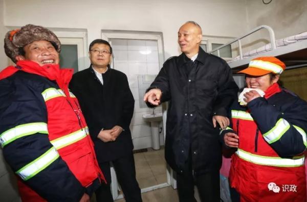 蔡奇:北京这座城市离不开普通劳动者,要给予他们充分尊重