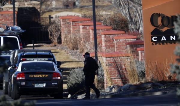 澳门六合彩美国丹佛附近发生枪击事件致1警员身亡6人受伤,手机报码室,枪手被击毙