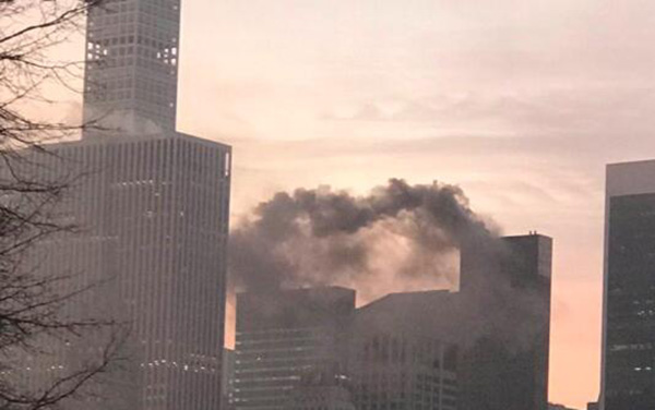 纽约特朗普大楼起火2人受伤,消息称大火由电线短路造成