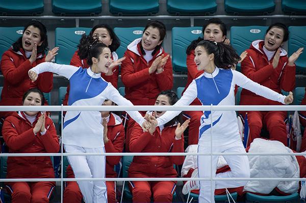 平昌冬奥|朝鲜拉拉队今晚再出场,为朝韩冰球
