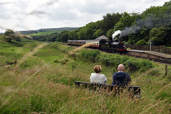 英国计划2040年前逐步淘汰柴油动力火车,改善空