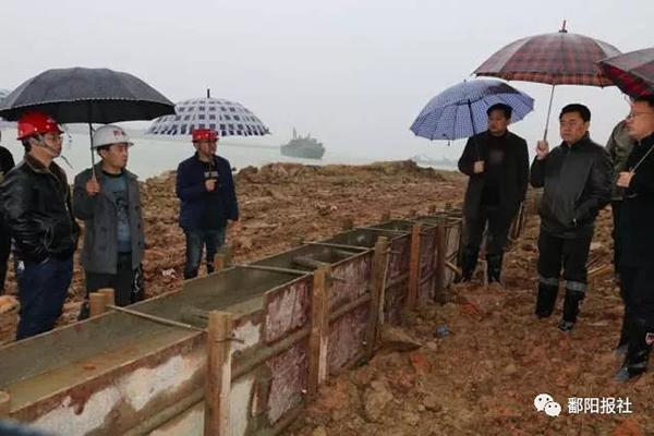 """江西鄱阳通报""""莲北大坝豆腐渣工程"""":要求施工方无条件返工"""