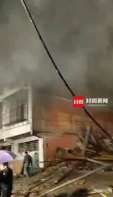一民房凌晨发生火灾6人被困,搜救7小时找到4人
