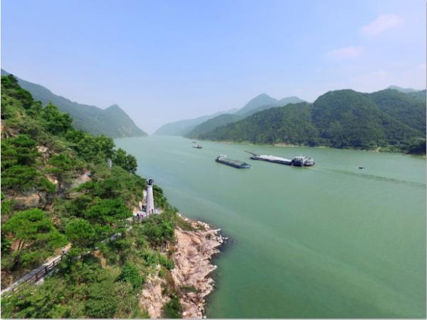 肇庆市委书记赖泽华:全力创建国家生态文明建设示范市