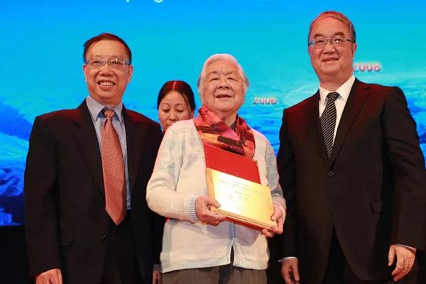 中国预防医学科学院首任院长陈春明逝世,享年