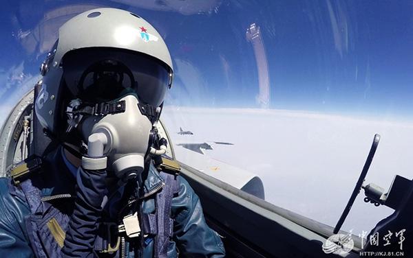 触动���my.9.�.��/g9��_一位空军老飞行员的触动(上):川航机组何以化险为夷?