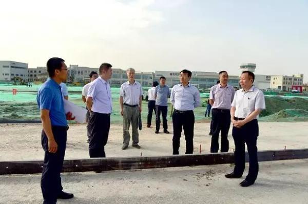 钟洪江检查航天基地治污减霾工作