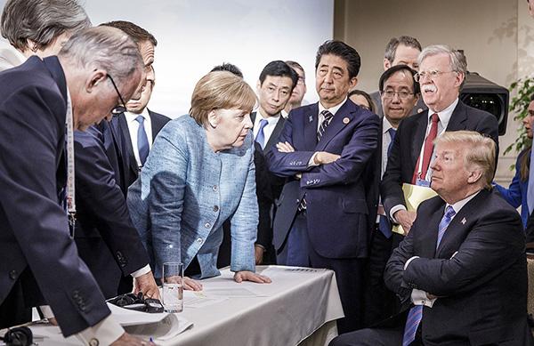 g7领导人互怼照片刷屏,西方媒体批评特朗普蔑视盟友