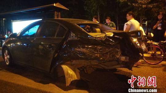 杭州警方通报4死13伤事故调查:司机将油门当刹车