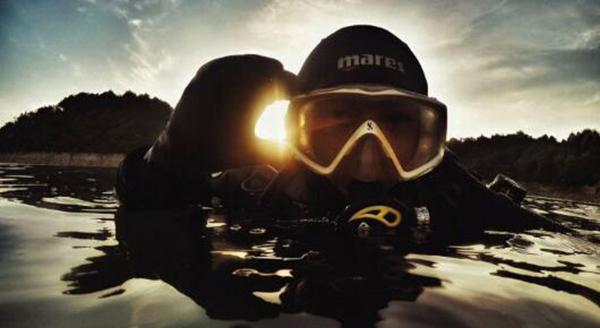 90后潜水教练水底捡垃圾:最初并未刻意做水下环保