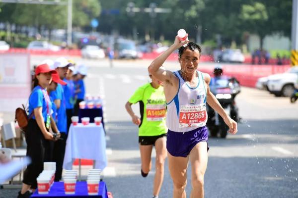 厉害 2018贵阳国际马拉松赛央视直播提及观山湖区23次