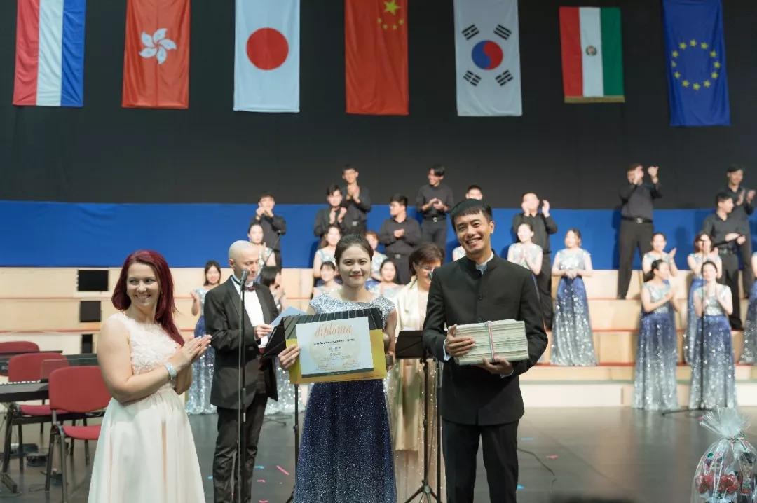 世界金奖!东华最美和声唱响国际